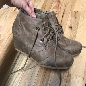 Maurices wedge shoes